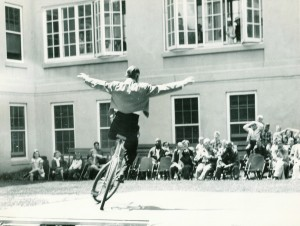 al-castle-bike-act