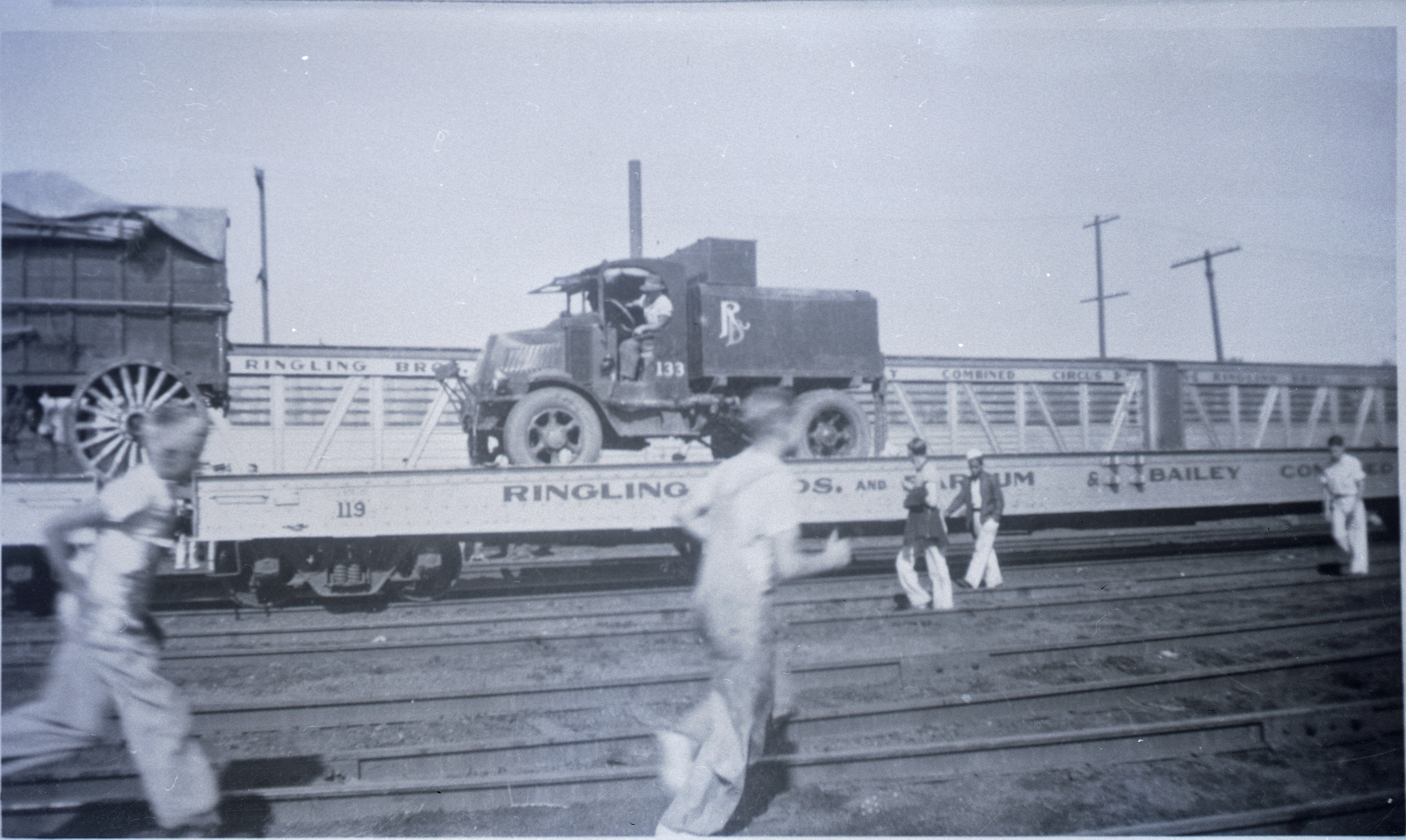 Ringling Bros Barnum   Bailey  1936  MACK TRUCK READT FOR UNLOADING Posted 2-of 13